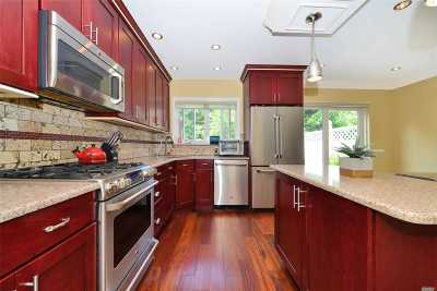 Middle Village Single Family Home For Sale: 66-14 71 St