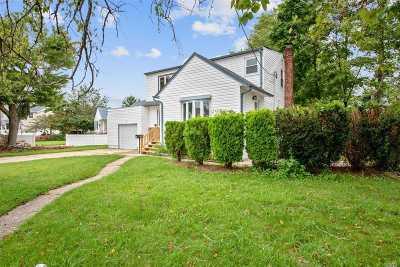 Massapequa Single Family Home For Sale: 20 Robert Ave