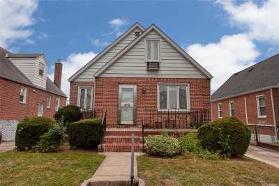 Fresh Meadows Single Family Home For Sale: 69-30 184th St
