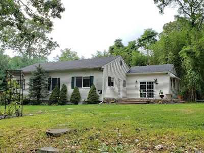 Miller Place Single Family Home For Sale: 87 Woodhull Landing Rd