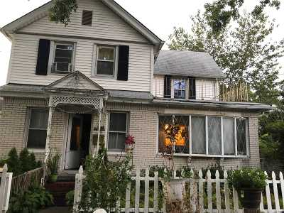 Westbury Single Family Home For Sale: 189 Schenck Ave