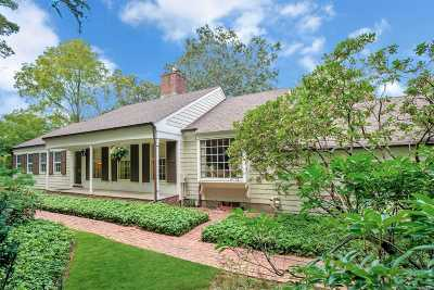 Smithtown Single Family Home For Sale: 16 Three Pond Rd