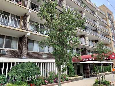 Long Beach Condo/Townhouse For Sale: 650 Shore Rd #2N
