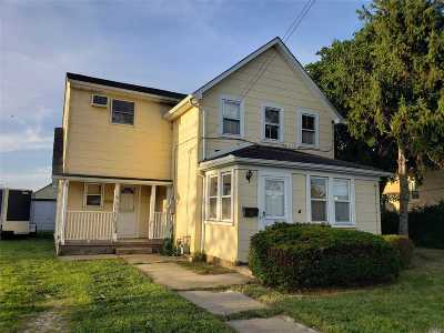 Bethpage Single Family Home For Sale: 36 Baldwin Pl
