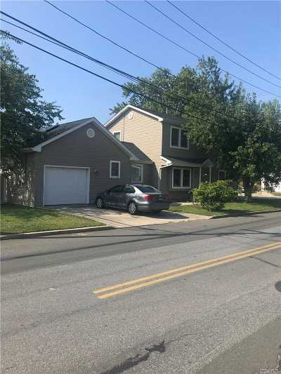 Lindenhurst Single Family Home For Sale: 91 Shore Rd