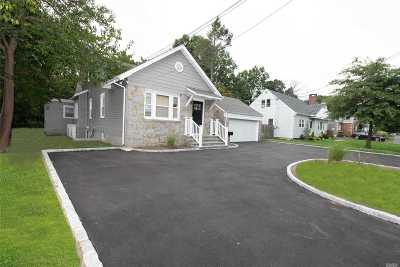 Bethpage Single Family Home For Sale: 371 Broadway