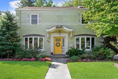 Rockville Centre Single Family Home For Sale: 122 Wright Rd