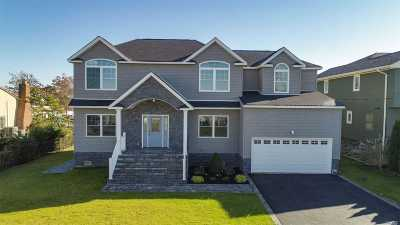 Massapequa Single Family Home For Sale: 86 Ripplewater Ave