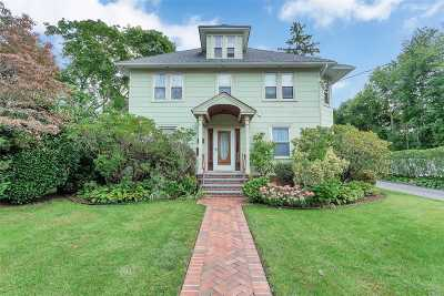 Syosset Single Family Home For Sale: 182 Berry Hill Rd