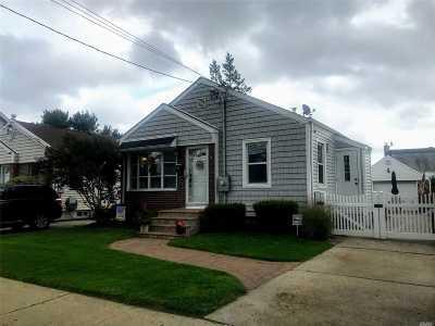 Westbury NY Single Family Home For Sale: $450,000