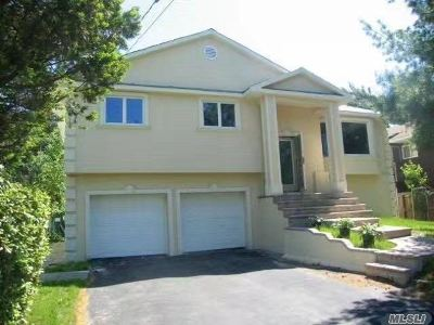 Woodmere Single Family Home For Sale: 8 Woodmere Blvd