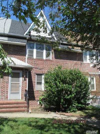 Briarwood Single Family Home For Sale: 161-21 84th Rd
