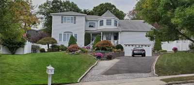 Farmingdale Single Family Home For Sale: 5 Sean Michael Ct