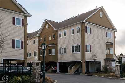 Westbury Condo/Townhouse For Sale: 330 Maple Ave #16