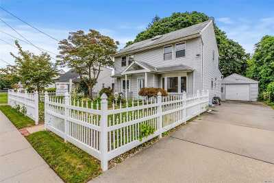 Plainview Single Family Home For Sale: 9 Virginia Ave