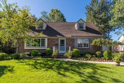Rockville Centre Single Family Home For Sale: 418 Woodbridge Rd