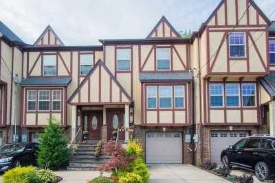 Lynbrook Single Family Home For Sale: 160 Scranton Ave