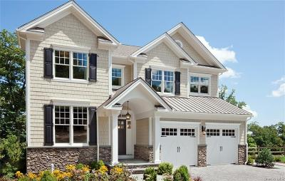 Dutchess County Single Family Home For Sale: 32 Fenton Way