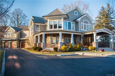 Putnam County Single Family Home For Sale: 240 Main Street