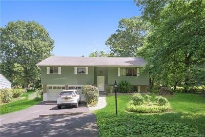 Westchester County Single Family Home For Sale: 16 Fox Hill Road