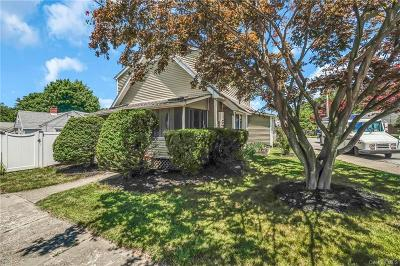 Dutchess County Single Family Home For Sale: 39 Barrett Place