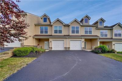 Dutchess County Condo/Townhouse For Sale: 2403 Sylvan Loop