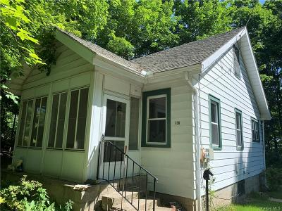 Westchester County Single Family Home For Sale: 130 Furnace Woods Road