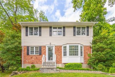 Westchester County Single Family Home For Sale: 37 Stonegate Road