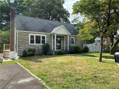 Westchester County Single Family Home For Sale: 5 Dunnings Drive