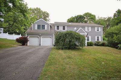 Westchester County Single Family Home For Sale: 5 Pheasant Ridge Road