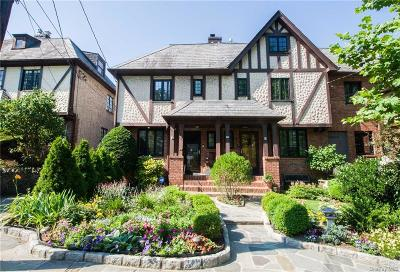 Westchester County Single Family Home For Sale: 6 Brookside Avenue