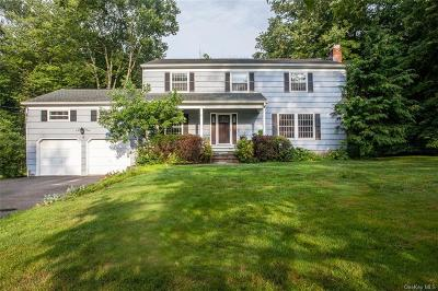 Westchester County Single Family Home For Sale: 6 Pin Oak Lane