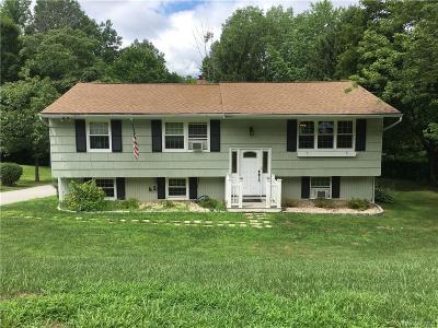 Putnam County Single Family Home For Sale: 36 Saint Michaels Terrace