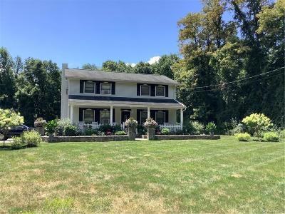Putnam County Single Family Home For Sale: 122 Hustis Road