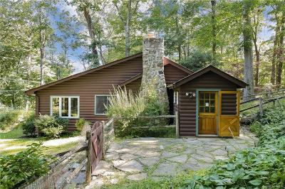 Westchester County Single Family Home For Sale: 3 Truesdale Woods