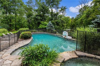 Westchester County Single Family Home For Sale: 23 Crestview Drive