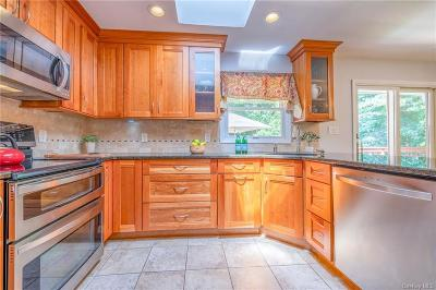 Westchester County Single Family Home For Sale: 96 Nottingham Road