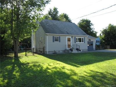 Dutchess County Single Family Home For Sale: 9 Beaver Lane