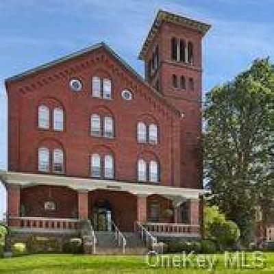 Westchester County Condo/Townhouse For Sale: 200 School House Road #1A