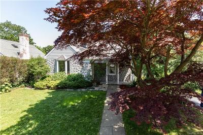 Westchester County Single Family Home For Sale: 21 Taft Lane