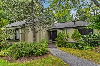 Westchester County Condo/Townhouse For Sale: 157 Heritage Hills #A
