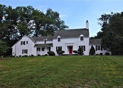 Westchester County Single Family Home For Sale: 14 Wolfe Lane