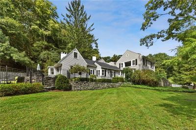 Westchester County Single Family Home For Sale: 84 Old Post Road