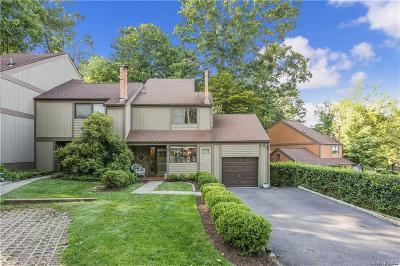 Westchester County Single Family Home For Sale: 40 Round Hill Road