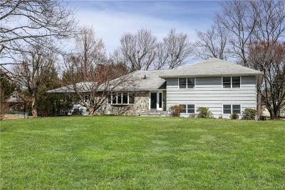 Westchester County Single Family Home For Sale: 11 Gray Rock Park Road