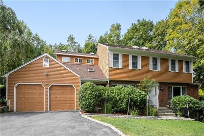 Westchester County Single Family Home For Sale: 194 Deerfield Lane