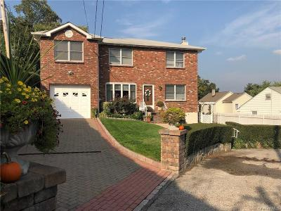 Westchester County Single Family Home For Sale: 18 Floral Lane