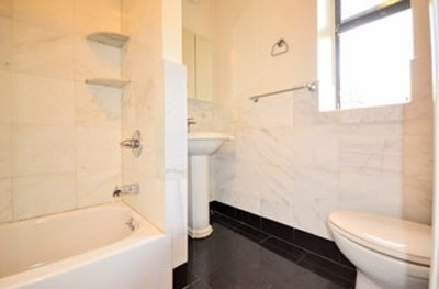 Williamsburg Unit For Rent For Rent: 54 Maujer St #6th Floo
