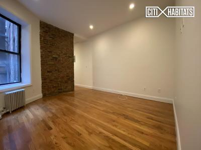 New York NY Unit For Rent For Rent: $3,525