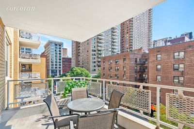 New York Unit For Sale For Sale: 40 E 9th St